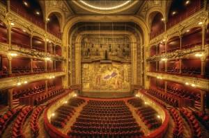 Театральный Париж
